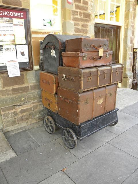 luggage-996574_640